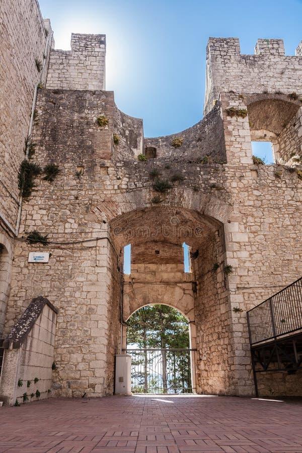 Castle του Καμπομπάσσο, drawbridge στοκ εικόνες