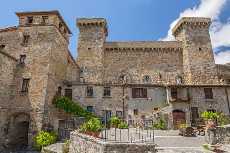 Castle of Bolsena Castello Rocca Monaldeschi Viterbo, Italien royaltyfri bild
