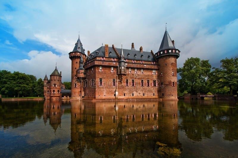 Castle De Haar en los Países Bajos en el verano cerca de la ciudad de Utrecht fotografía de archivo