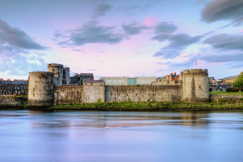 Castle du Roi John dans Limerick, Irlande. images stock