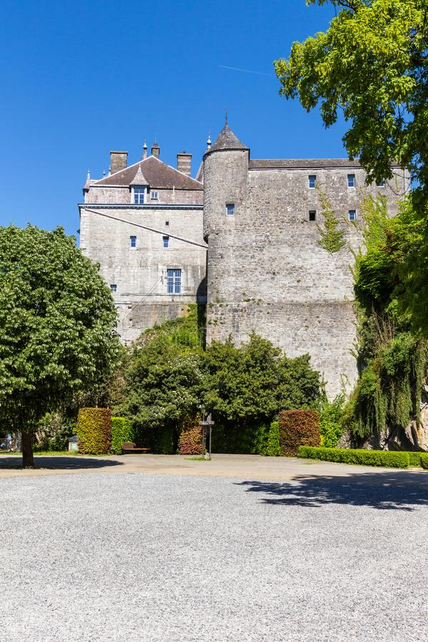 Castle Durbuy από την πλάγια όψη στοκ εικόνες με δικαίωμα ελεύθερης χρήσης