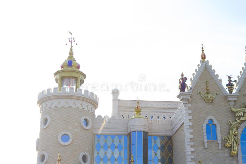 Castle från saga royaltyfri bild
