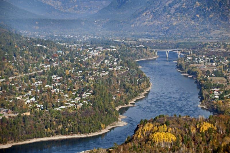 Castlegar und Kootenay Fluss stockbilder