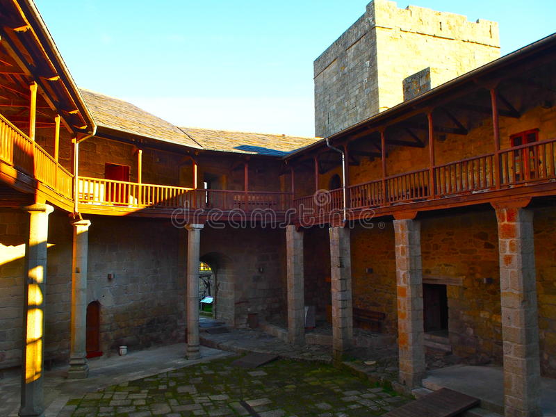 Castro Caldelas Castle fotos de archivo