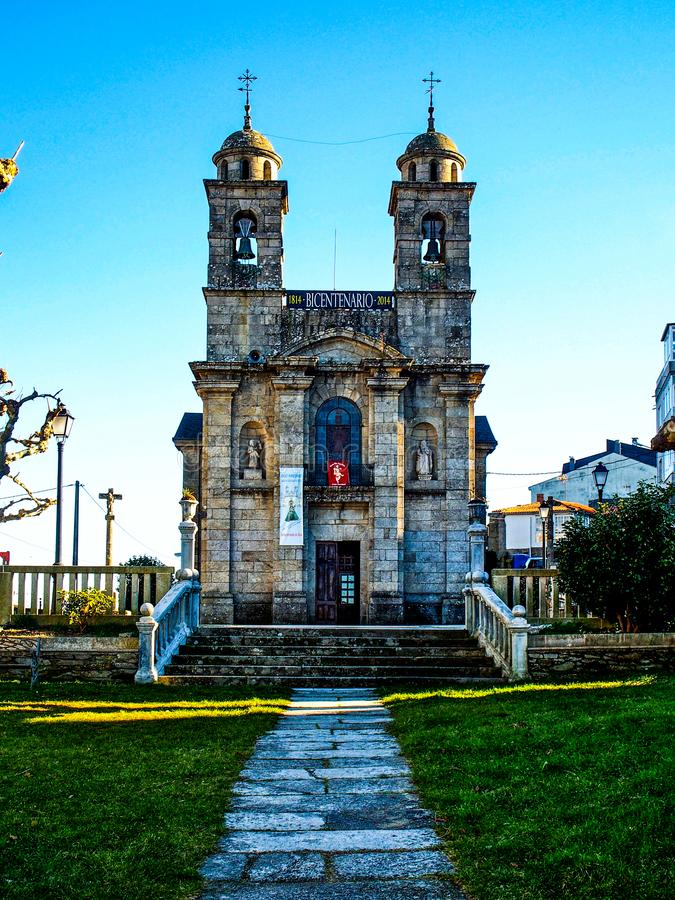 Castro Caldelas, España - Santa Isabel Church en Castro Caldelas Spain foto de archivo libre de regalías