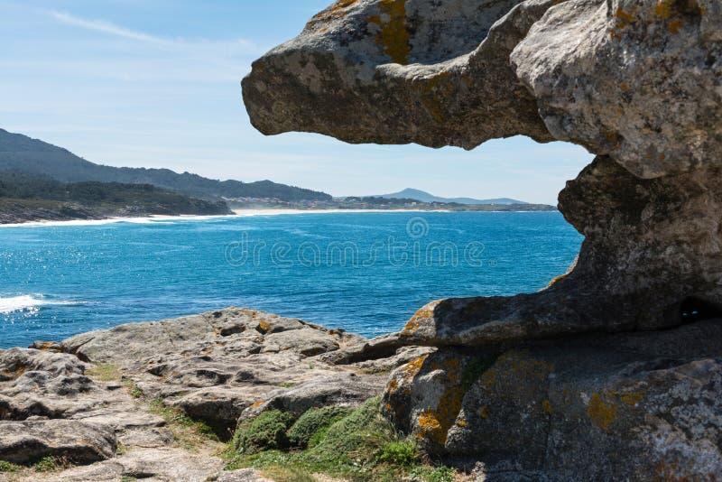 Castro de Baroña y Océano Atlántico en Galicia fotografía de archivo