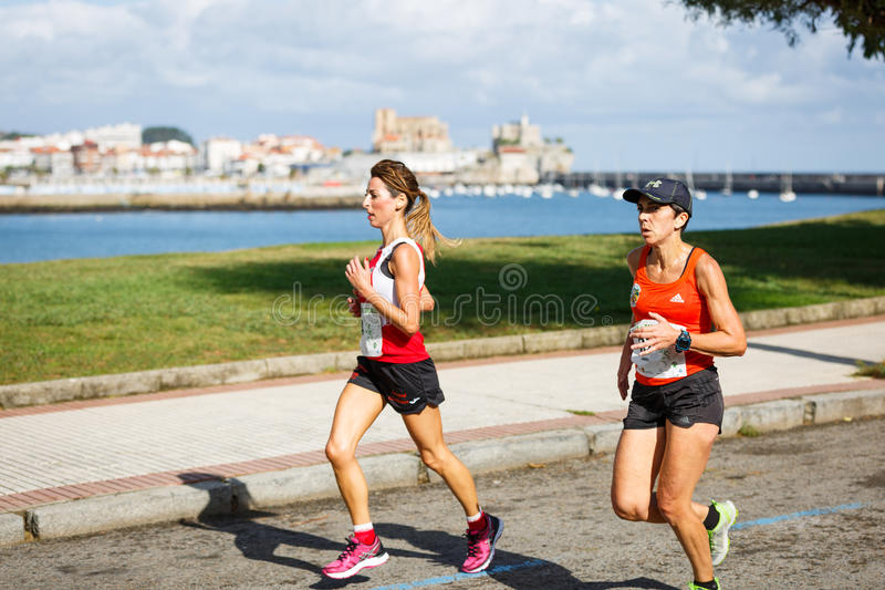 CASTRO URDIALES, SPAIN - SEPTEMBER 18: Unidentified group of athletes in the in the 10km race competition celebrated in Castro Urd. Iales in September 18, 2016 royalty free stock photography
