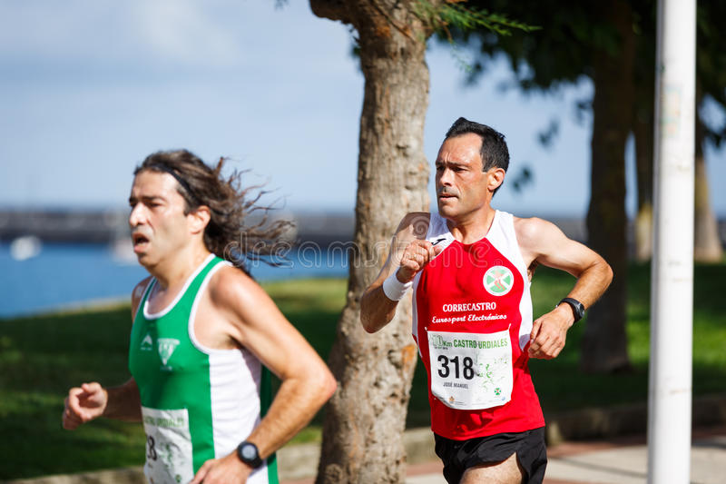 CASTRO URDIALES, SPAIN - SEPTEMBER 18: Unidentified group of athletes in the in the 10km race competition celebrated in Castro Urd. Iales in September 18, 2016 stock images