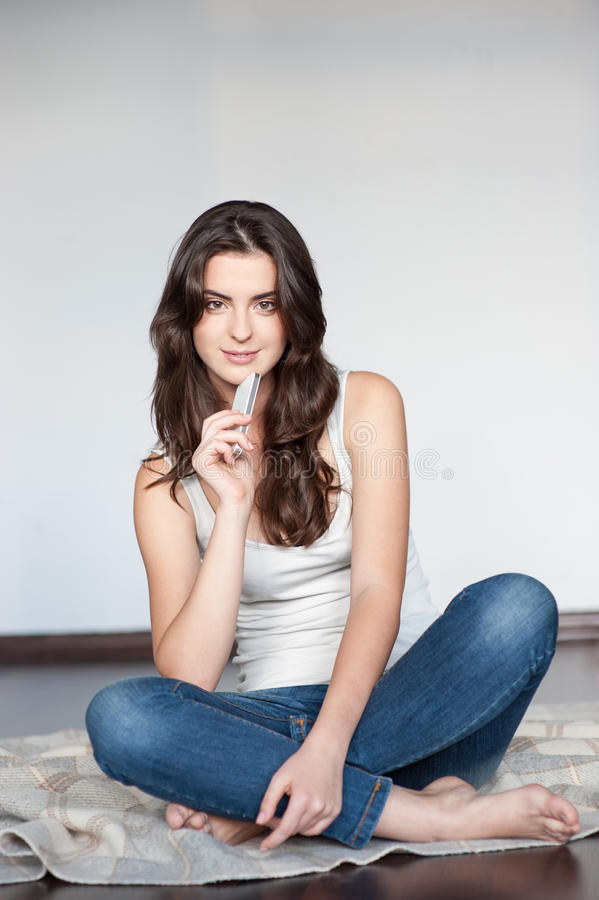 casual brunette sitting next - photo #2