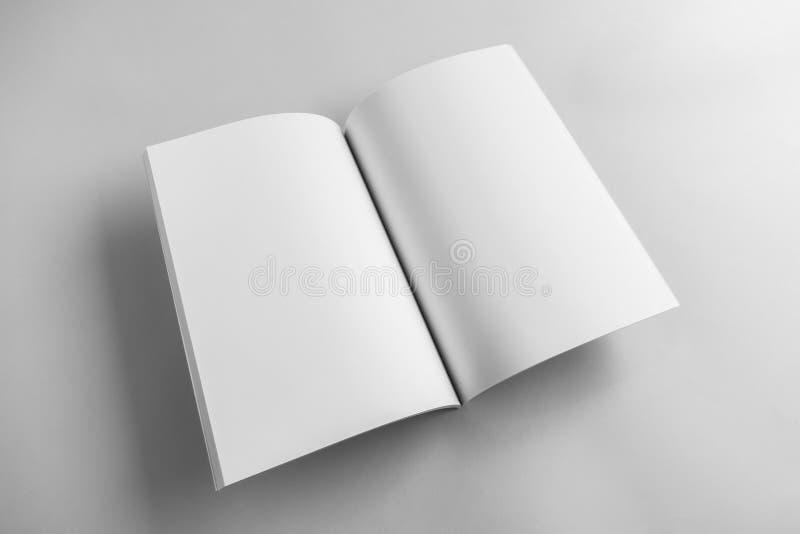 Catálogo vazio, compartimento, molde do livro com sombras macias pronto imagem de stock