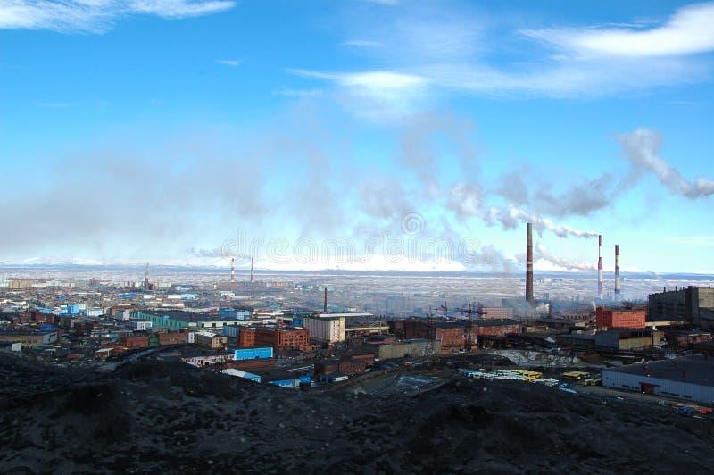 Catástrofe da ecologia em Norilsk, Rússia foto de stock