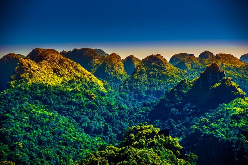 Cat Ba Island en Vietnam, Asia Paisaje hermoso fotos de archivo libres de regalías