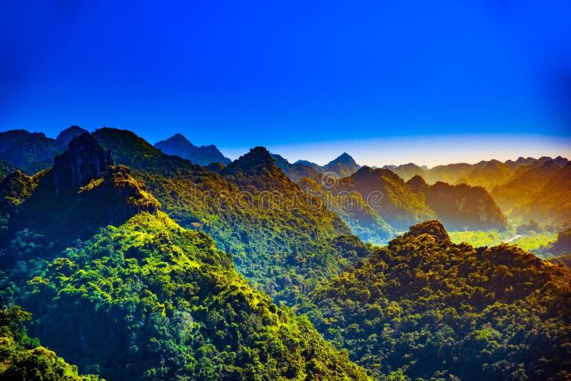 Cat Ba Island en Vietnam, Asia Paisaje hermoso foto de archivo libre de regalías