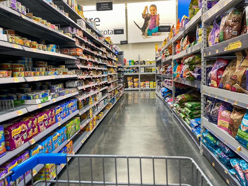 Aisle In One Of Walmart S Stores Editorial Stock Image Image Of Department Items 123079304