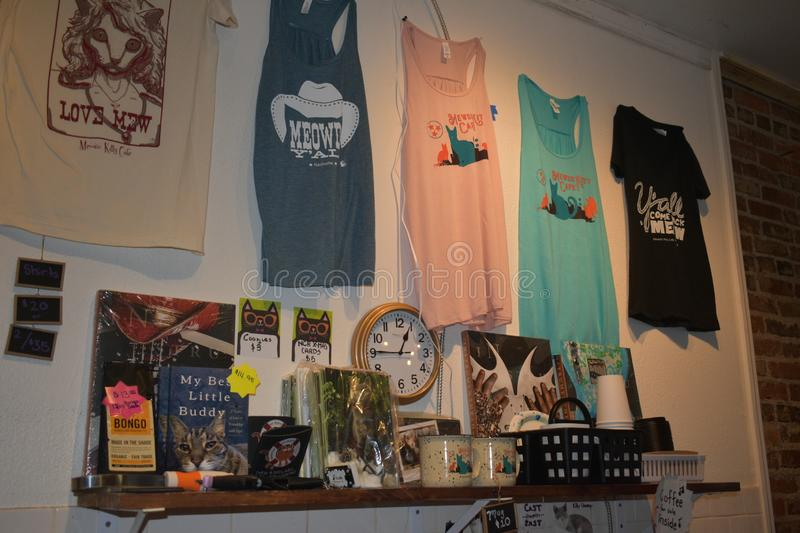 Cat Themed Merchandise - Mewsic Kitty Cafe images libres de droits