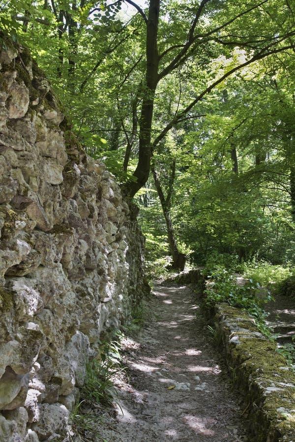 Catacomben dichtbij Aladzha-Klooster bulgarije stock afbeelding