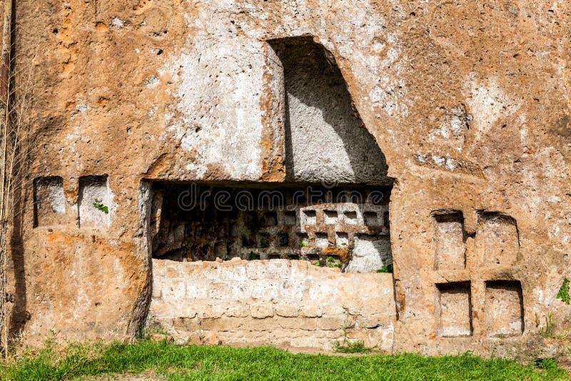 Catacumbas de Etruscan en la ciudad antigua de Sutri, Italia fotos de archivo