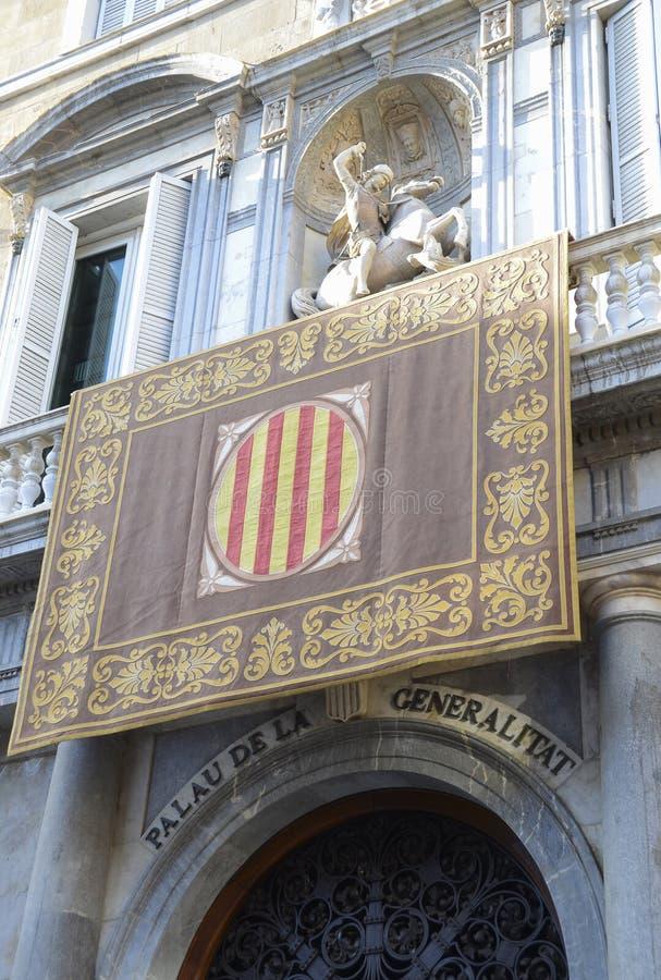 Catalaans overheidspaleis met zijn vlag royalty-vrije stock afbeeldingen