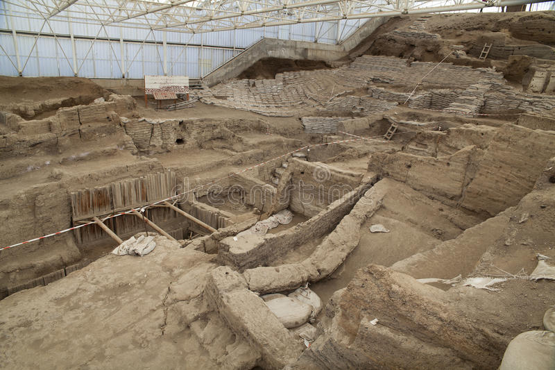 Catalhoyuk Konya (Турция) Построенный в 7500 B C стоковая фотография rf