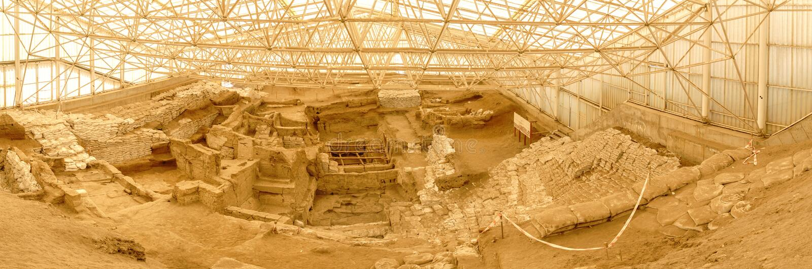 Catalhoyuk Oldest Settlement in Konya. Catalhoyuk is large Neolithic and Chalcolithic best preserved city settlement in Cumra, It is oldest town in world in stock photos