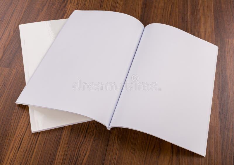 Catalogo in bianco, riviste, fotografia stock