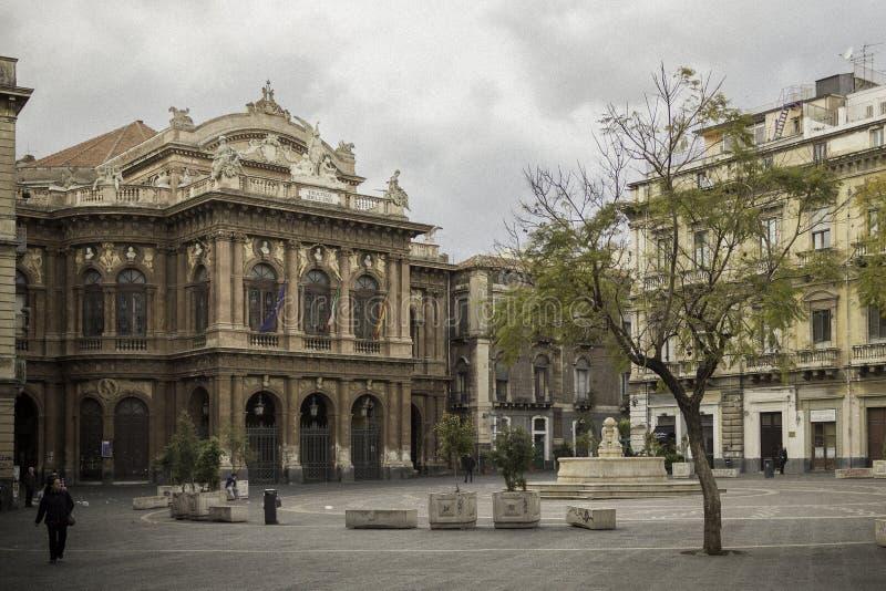 Catania piazza Teatro Massimo royaltyfria foton