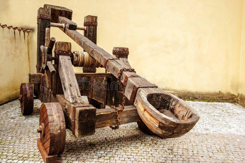 Catapulta medievale di legno fotografia stock libera da diritti