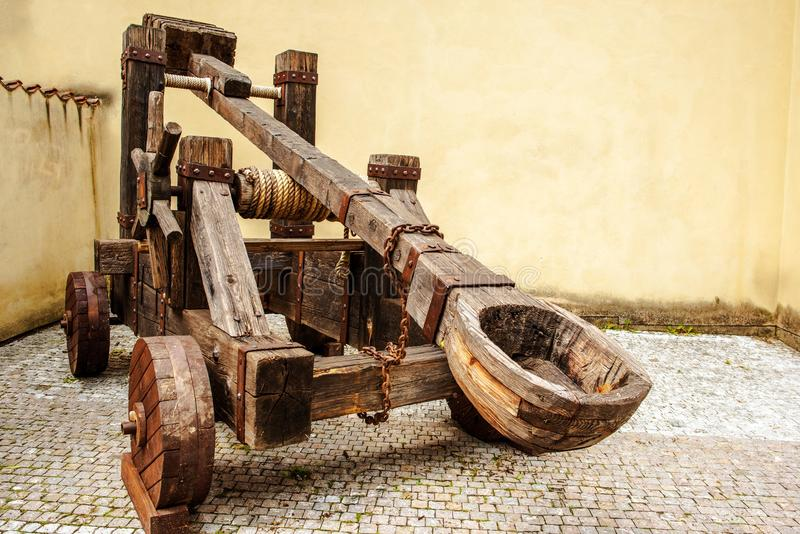 Catapulte médiévale en bois photo libre de droits