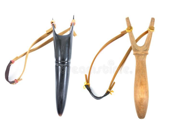 Catapulte ou fronde d'isolement sur le fond blanc klaxon et catapulte en bois d'isolement images stock