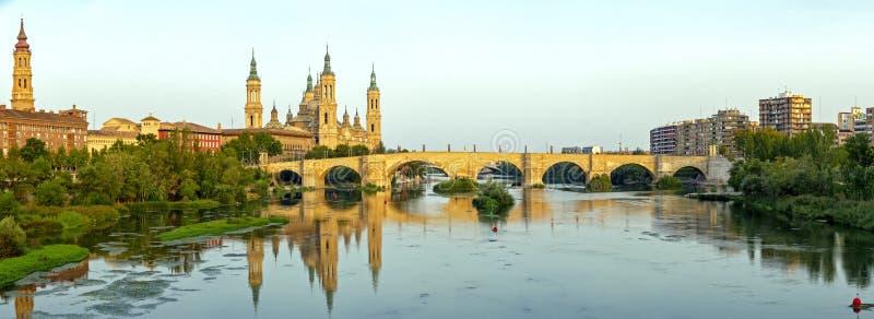 Catedral Basilica del Pilar, Zaragoza Spanien royaltyfri bild