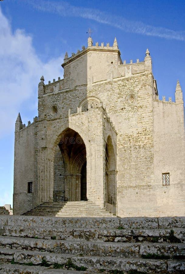Download Catedral católica 5 imagem de stock. Imagem de azul, curso - 12801957