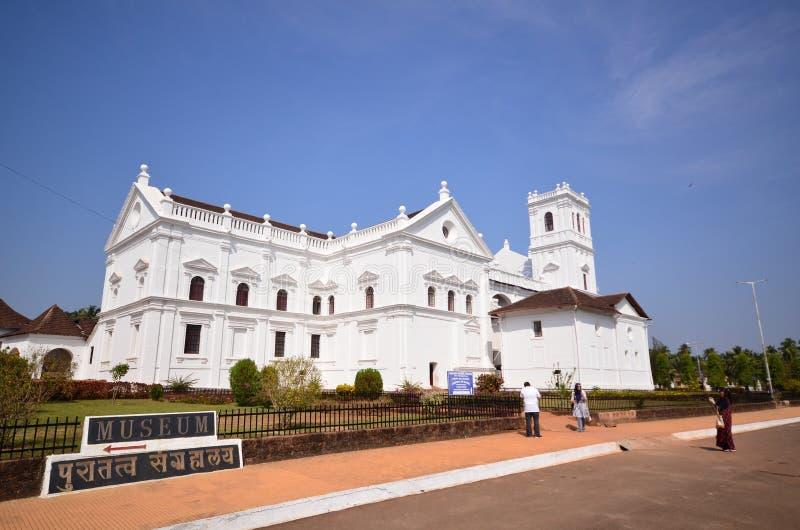Catedral católica branca imagem de stock royalty free