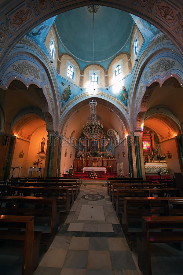 Catedral católica del santo John The Baptist en Fira de Santorini imagen de archivo libre de regalías