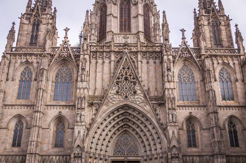 Catedral católica gótica en Barcelona, Cataluña, España imágenes de archivo libres de regalías