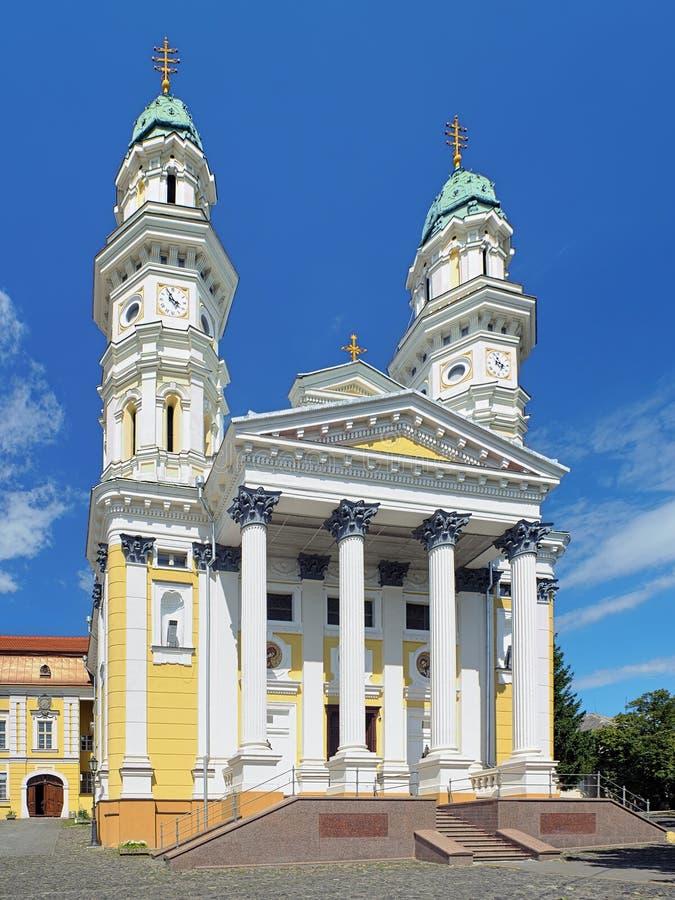 Catedral cruzada santa en Uzhhorod, Ucrania imagen de archivo