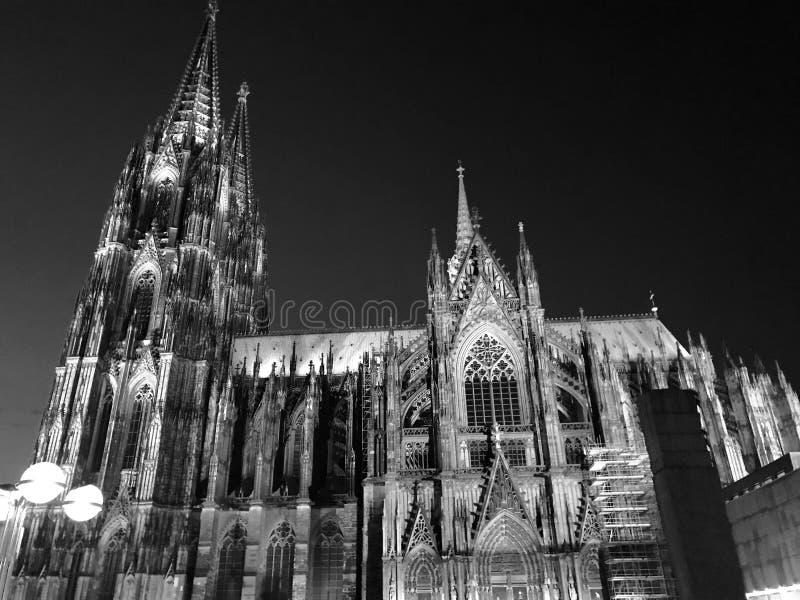 Catedral da água de Colônia - os DOM de Köln fotografia de stock