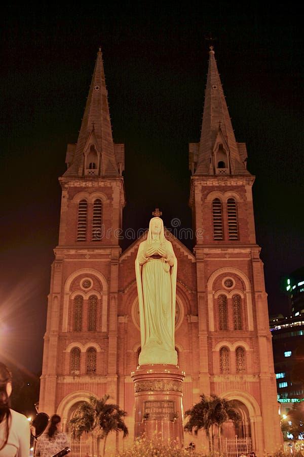 Catedral da basílica de Saigon Notre Dame, Vietnam imagens de stock