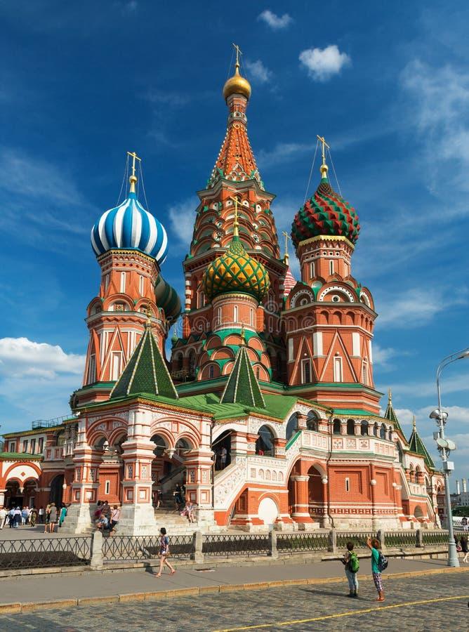 Catedral da manjericão de Saint no quadrado vermelho em Moscovo, Rússia fotografia de stock