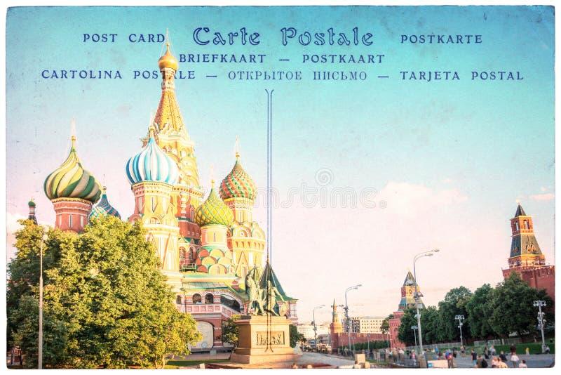 Catedral da manjericão do St em Moscou, Rússia, colagem no fundo do cartão do vintage, cartão da palavra em diversas línguas imagens de stock royalty free