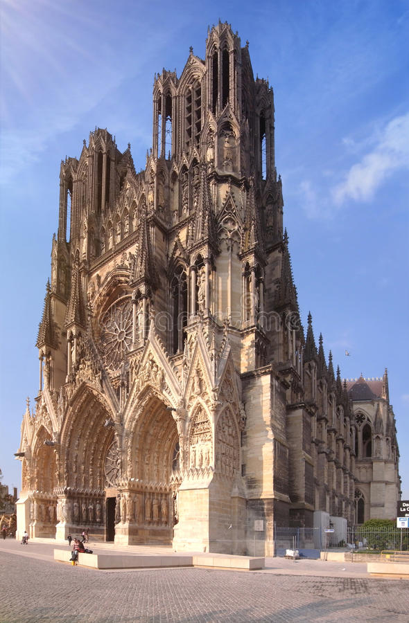 Catedral da região de Champagne em França imagem de stock