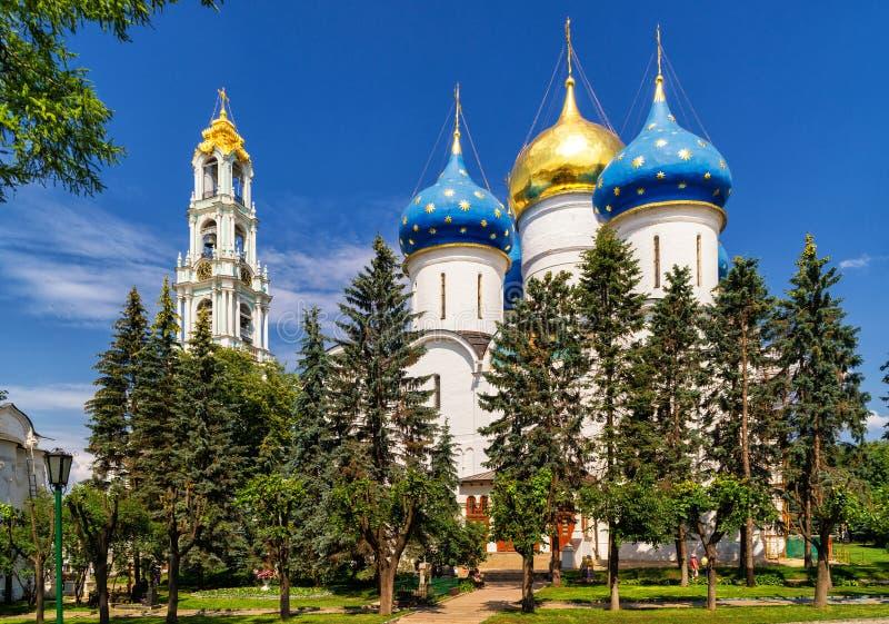 Catedral da suposição na trindade Sergius Lavra, Sergiyev Posad fotos de stock
