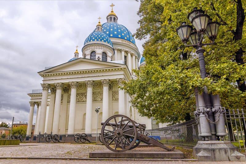 Catedral da trindade em St Petersburg fotografia de stock royalty free