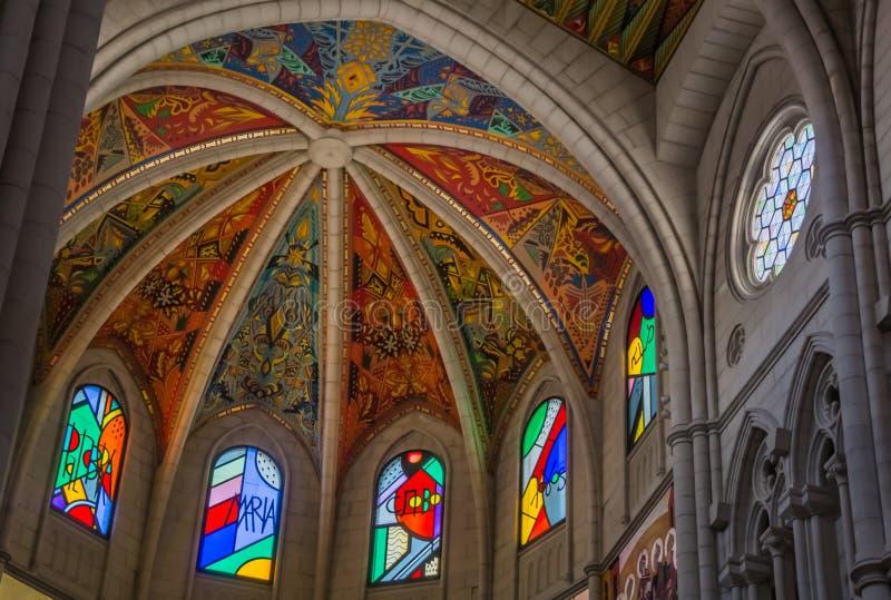 Catedral de Ла Almudena Внутренн III стоковая фотография