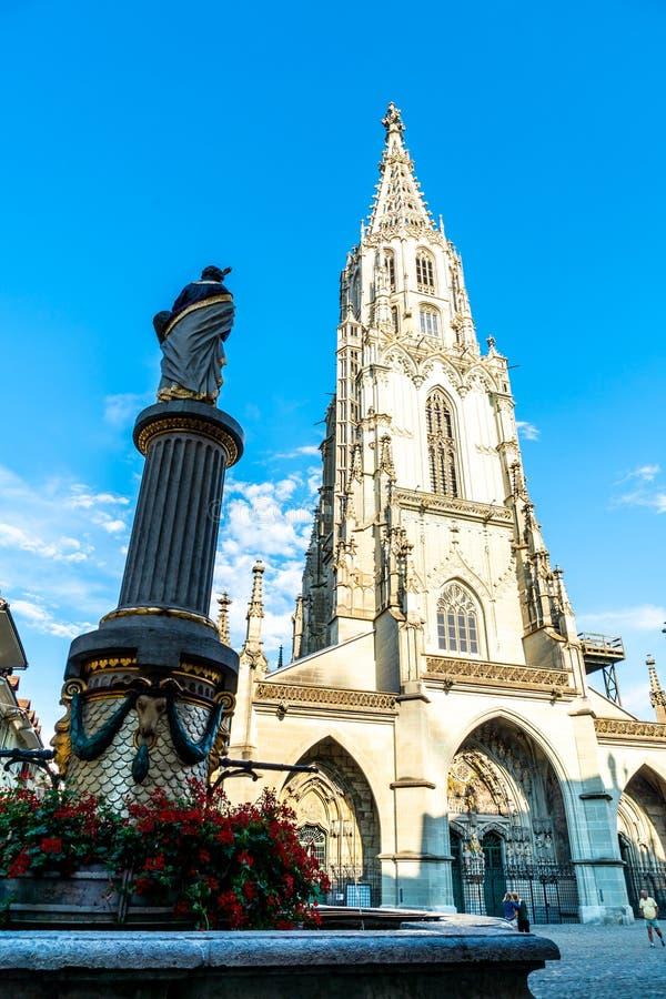 Catedral de Berner Munster em Suíça fotografia de stock