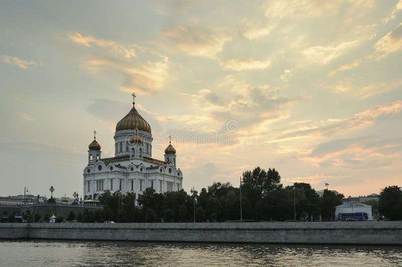 A catedral de Cristo o salvador em Moscou, Rússia imagens de stock