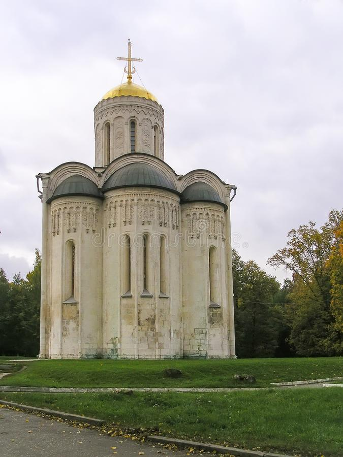 Catedral de Dmitrievsky en Vladimir - sitio del patrimonio mundial de la UNESCO Ring Travel de oro imagenes de archivo
