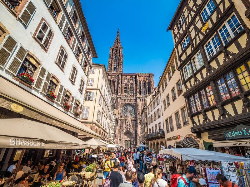Catedral de Estrasburgo o la catedral de nuestra se?ora de Estrasburgo, Alsacia, Francia imagenes de archivo