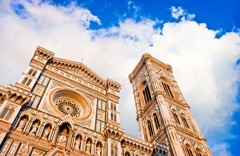 Catedral de Florencia en la puesta del sol en Florencia, Italia foto de archivo