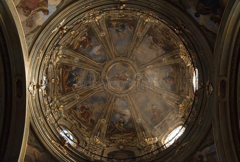 Catedral de Fossano - Cuneo Itália fotos de stock royalty free