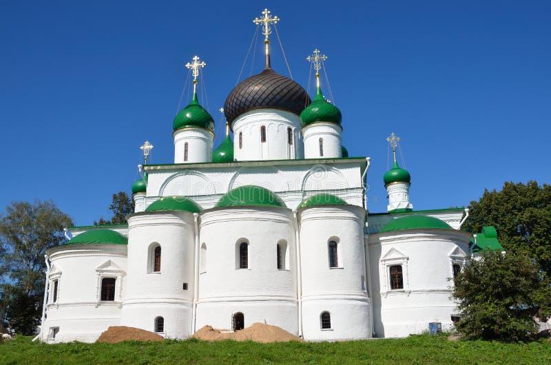 Catedral de Fyodorovsky do monastério de Fyodorovsky em Pereslavl-Zalessky, 1557 anos O anel dourado de Rússia fotos de stock